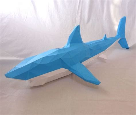 Shark Papercraft - something in the water shark papercraft