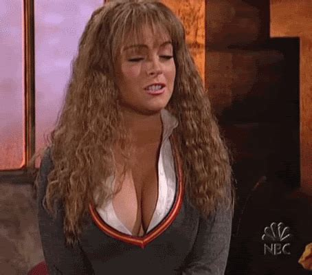 a few great gifs of lindsay lohan's boobs (25 gifs