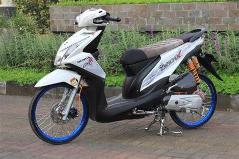 Stiker Motor Beat Thailook 06 contoh gambar modifikasi beat karbu dan beat fi otomotif