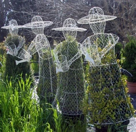 chicken wire topiary forms topiary