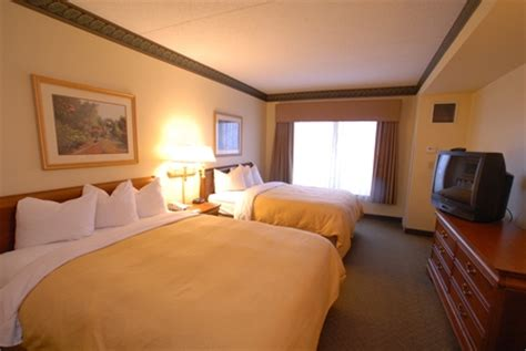 newark rooms flight hotel coupon discount country inn at elizabeth near jersey garden plus delta airline 117 gt 79