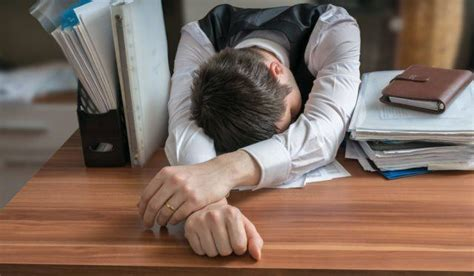 Sleeping On Desk by 5 Signs You Re Doing Much Cardio