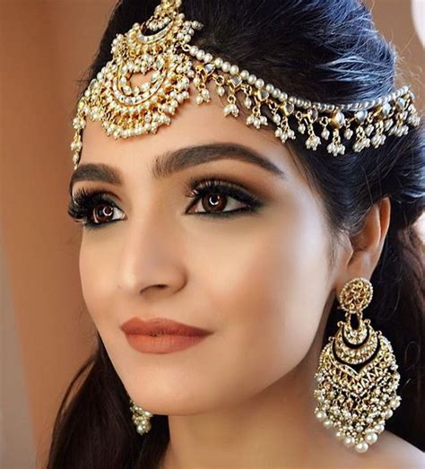 Wedding Hair And Makeup Northton by 25 Best Ideas About Indian Wedding Makeup On