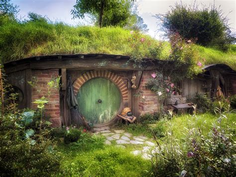 hobbit hole hobbit hole by wolfblueeyes on deviantart