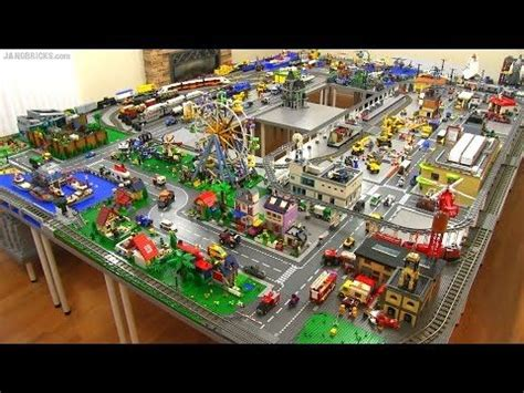 Cité De La Tapisserie by Lego Shopping Mall 10 000 Pcs 17 Shops 2 Stories