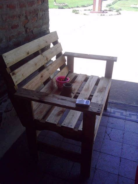 bench made from wooden pallets diy wooden pallets bench