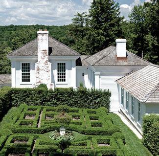 a paradise cottages gardens april 2011