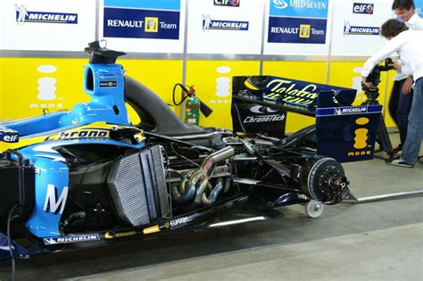 f1 pit mild seven renault f1 team pit