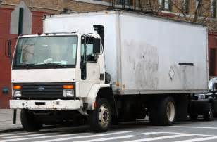 file ford cargo box truck jpg wikimedia commons