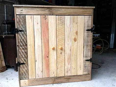 Pallet Cabinet by 1000 Images About Pallets On Diy Pallet