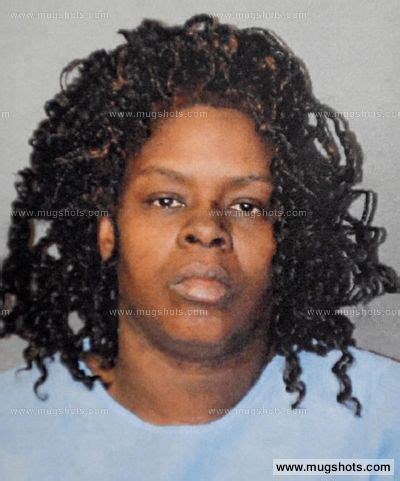 Ksat Arrest Records Latarsha Sanders Ksat Reports Massachusetts Claims She Used A Kitchen Knife