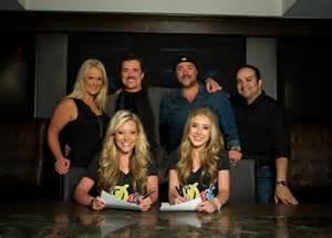 Exclusive dot records signs duo maddie amp tae as first act rolling