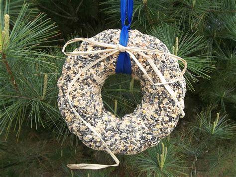 making bird seed wreaths birdcage design ideas
