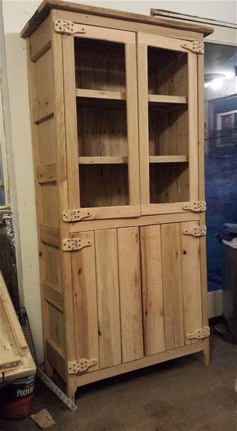 schrank paletten 547 best images about wooden pallet furniture on