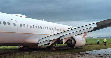 United Airlines Also Search For United Airlines Plane Skids Runway In Houston