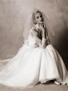 Grace kelly s wedding dress nibs