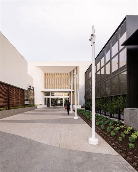 5 plus design redesigns la s 1960 s amo fashion center 02