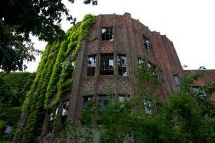 best abandoned places top 33 most beautiful abandoned places in the world 28