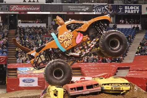 what time does the monster truck show end for nicole johnson scooby doo s driver is no monster jam