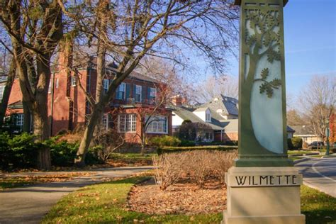 wilmette kenilworth chamber  commerce connecting business  community