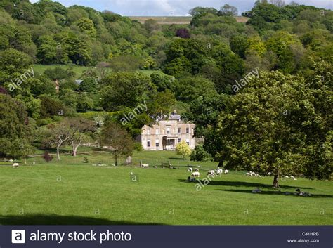 houses to buy in wiltshire rainscombe house oare wiltshire stock photo royalty free image 36915267 alamy