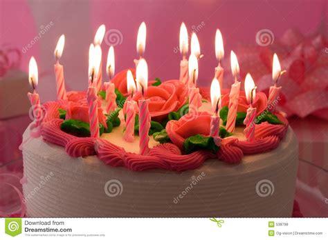 imagenes de cumpleaños tortas torta de cumplea 241 os foto de archivo imagen de llamas