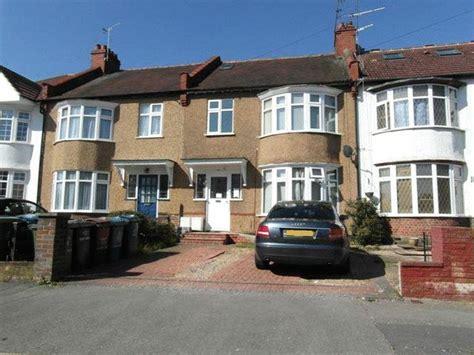 2 bedroom flat for sale in harrow 2 bedroom flat for sale in canterbury road north harrow ha1