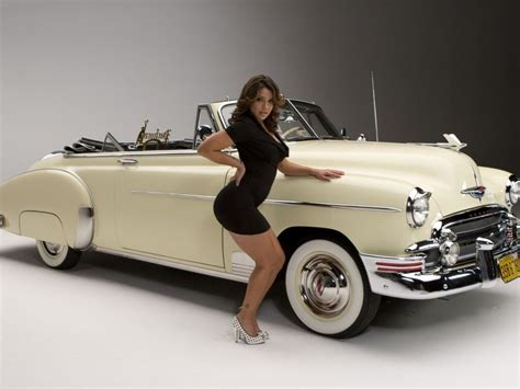TREND WALLPAPERS: Classic Car Wallpaper