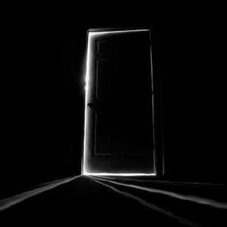 la porta chiusa gli occhi antonio ferrara