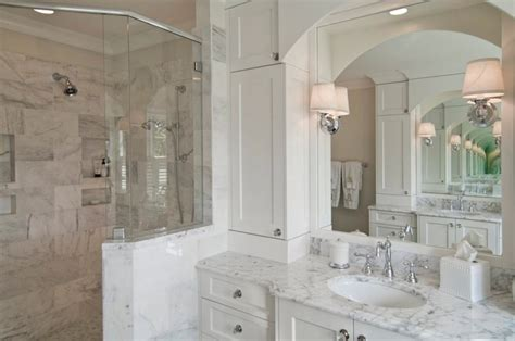 traditional white bathrooms benjamin moore decorator s white traditional bathroom