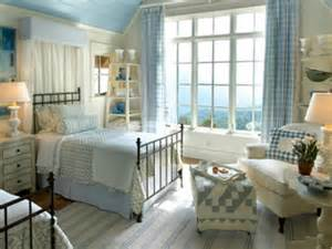bedrooms with quilts easy crafts and decorating