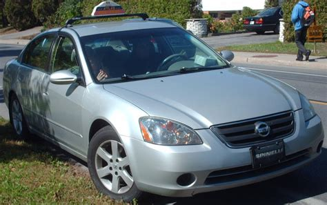 file 2002 04 nissan altima taxi jpg wikimedia commons nissan taxi release date 2017 2018 best cars reviews