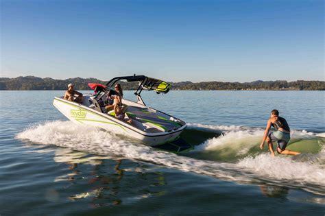 wt 1 boat heyday wake sports boat wt1 bayliner wake boats for sale