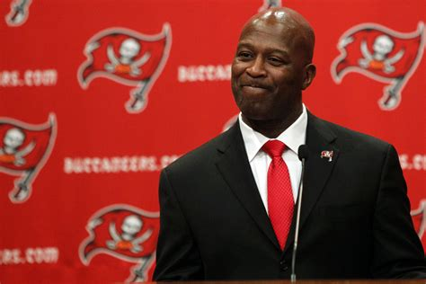 lovie smith to become buccaneers head coach reportsbest montreal lovie smith wants bucs to regain physical image