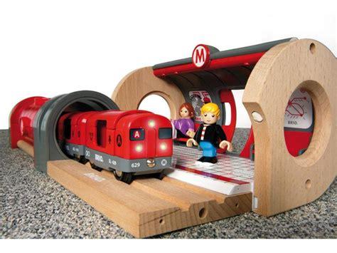 brio train set toys r us brio metro railway set 33513 table mountain toys