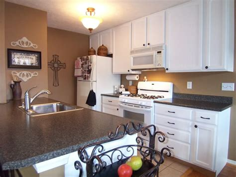 painting oak cabinets grain filler yes you can paint your oak kitchen cabinets grain