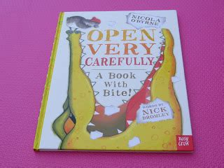 open very carefully 0857630849 open very carefully a book with bite et speaks from home