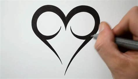 simple heart tattoo design easy heart tattoo designs danielhuscroft com