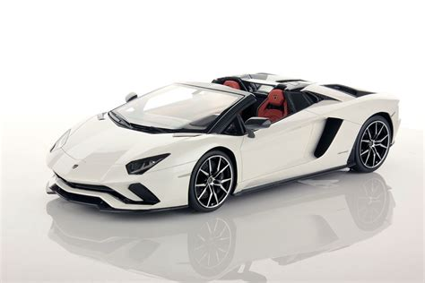 white lamborghini aventador roadster lamborghini aventador s roadster 1 18 mr collection models