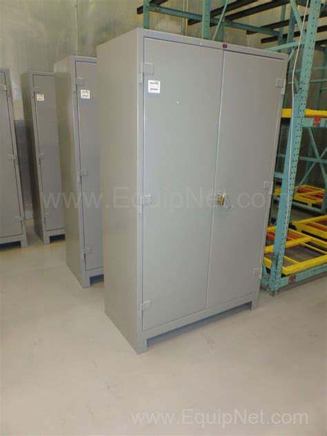 Metal Storage Cabinets With Doors And Shelves 444636 Lot Of 2 Lyon Heavy Duty Metal Storage Cabinets With Shelves And Lockable Doors