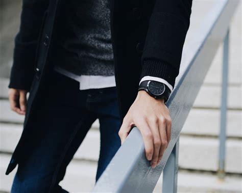 Jam Tangan Movado Terbaru hp bekerja sama dengan grup movado buat smartwatch analog