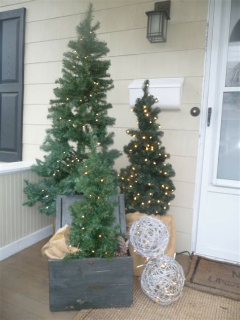 decoracion de entradas porche de entrada decorado para la navidad 50 ideas
