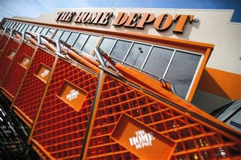 home depot gains by turning recession into opportunity