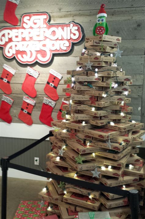 14 weirdest college christmas trees essay tigers blog