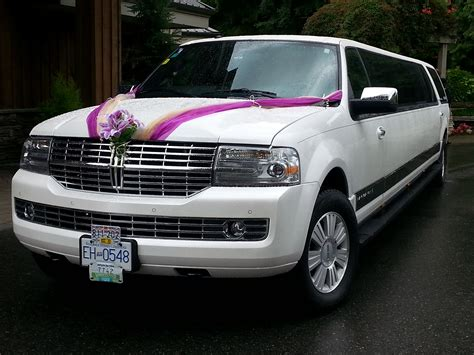 Wedding Car by 7 Gorgeous Looking Wedding Car Decoration Ideas East