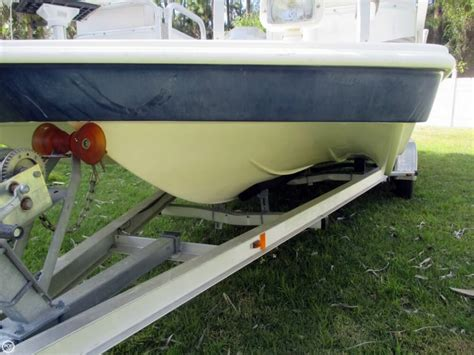 boats c 3 56 66 2006 used hurricane 226re deck fishing deck boat for