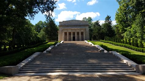 abraham lincoln memorial garden visiting abraham lincoln birthplace national historical
