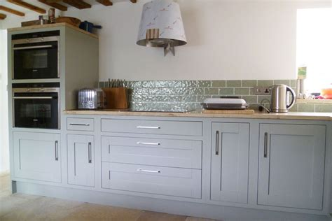 traditional framed shaker panel kitchen