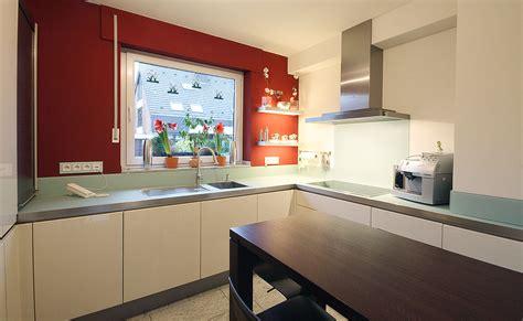 Arbeitsplatte Auf Maß by Wohnzimmer Grau Rot
