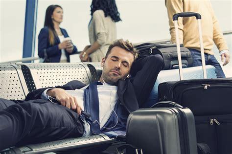 am schlafen schlafen am flughafen so klappt es ohne probleme